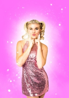 Lucy Claire as 'Baby Spice' photo by Rhian Cox (2).jpg